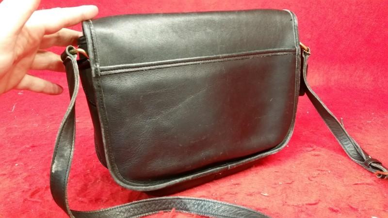 Vintage Coach M5B-9790 Black Leather Women's Purse