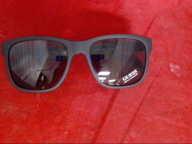 GUESS Sunglasses GU6760