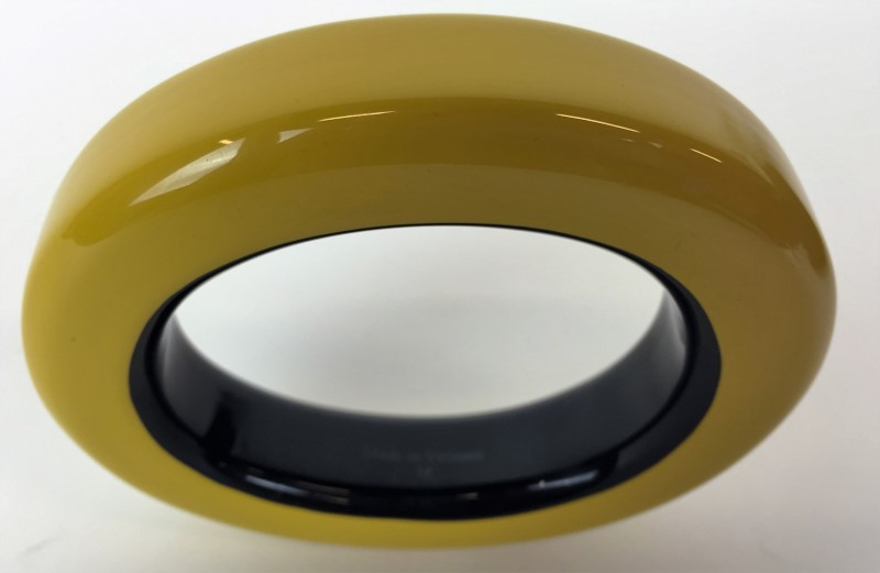 HERMÈS YELLOW LACQUERED RESIN BANGLE BRACELET