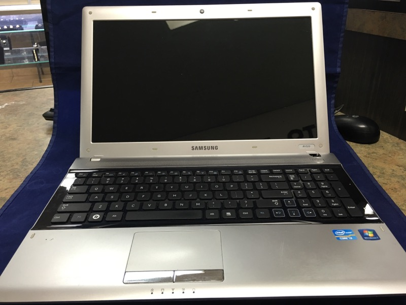SAMSUNG Laptop NP-RV520