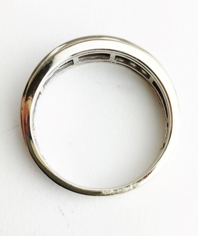 Diamond Channel Set Ring w 9 Diamonds .45 Carat T.W. 10K White Gold 4.06g