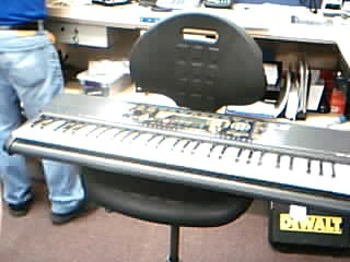 YAMAHA Keyboards/MIDI Equipment PSR-195