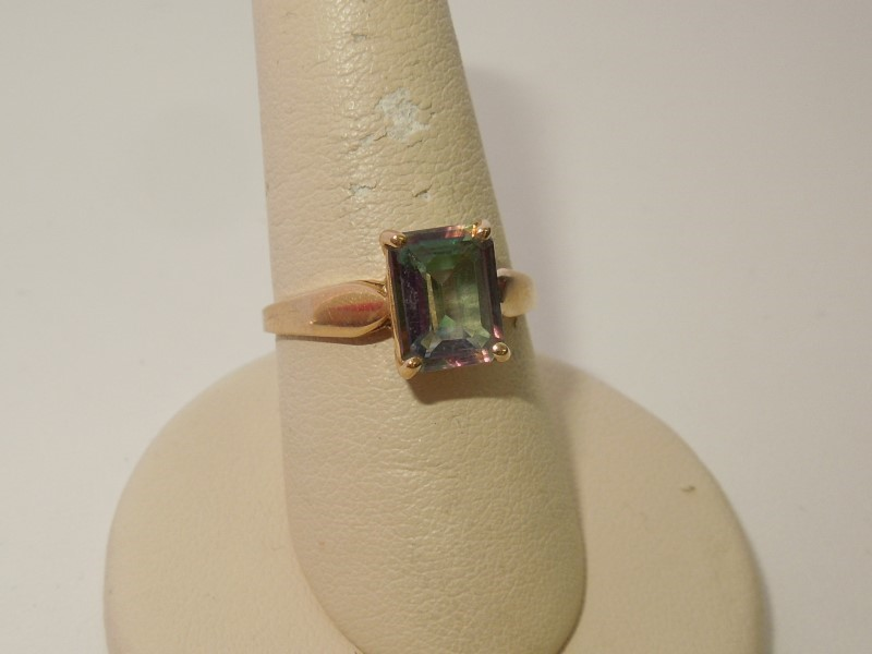 Teal Stone Lady's Stone Ring 14K Yellow Gold 2.6g