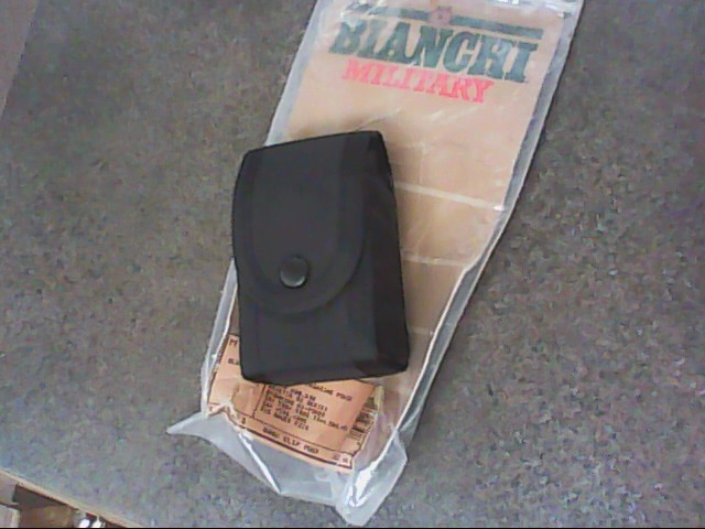 BIANCHI Holster QUAD CLIP MAG POUCH