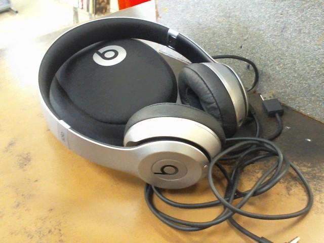 BEATS AUDIO Headphones SOLO 2 WIRELESS