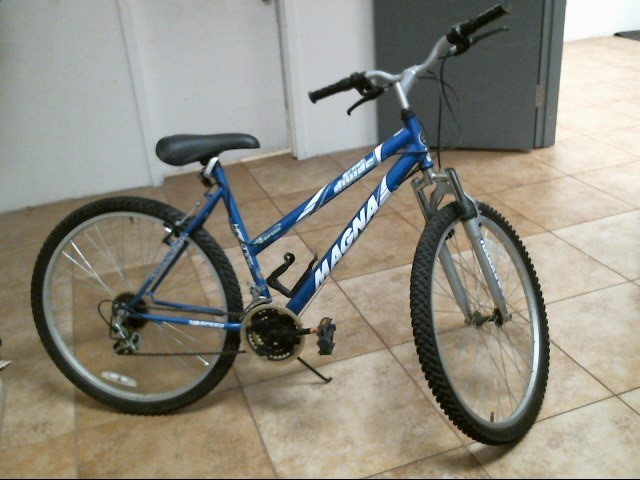 MAGNA BIKES Mountain Bicycle 18 SPEED HARDTAIL