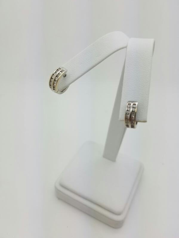 HOOP Gold-Diamond Earrings 28 Diamonds .28 Carat T.W. 10K White Gold 1.9dwt