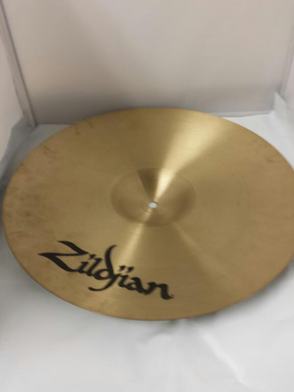 "ZILDJIAN MEDIUM THIN CRASH 18""/45 CM TURKISH CYMBAL"