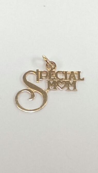 """SPECIAL MOM"" 14K YELLOW GOLD PENDANT, 0.6 GRAMS"