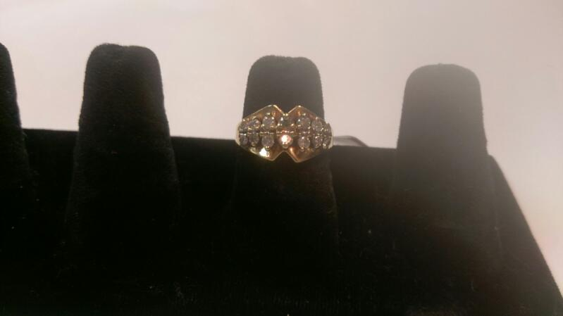 Lady's Diamond Cluster Ring 14 Diamonds .98 Carat T.W. 10K Yellow Gold 3.7g