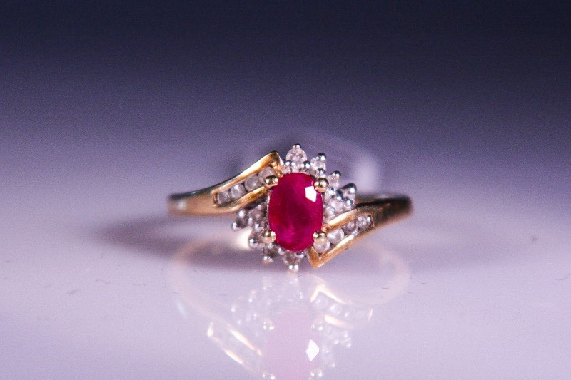 Synthetic Ruby Lady's Stone & Diamond Ring 18 Diamonds .18 Carat T.W.