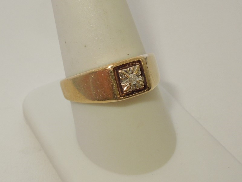 Gent's Diamond Fashion Ring .03 CT. 10K 2 Tone Gold 3.4g