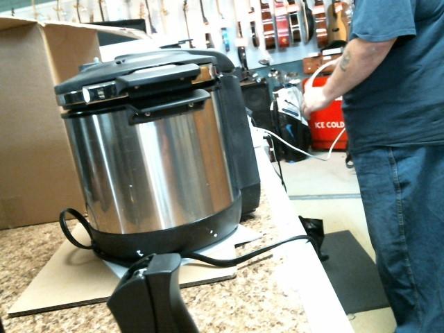 COOK'S ESSENTIALS Miscellaneous Appliances CEPC600S