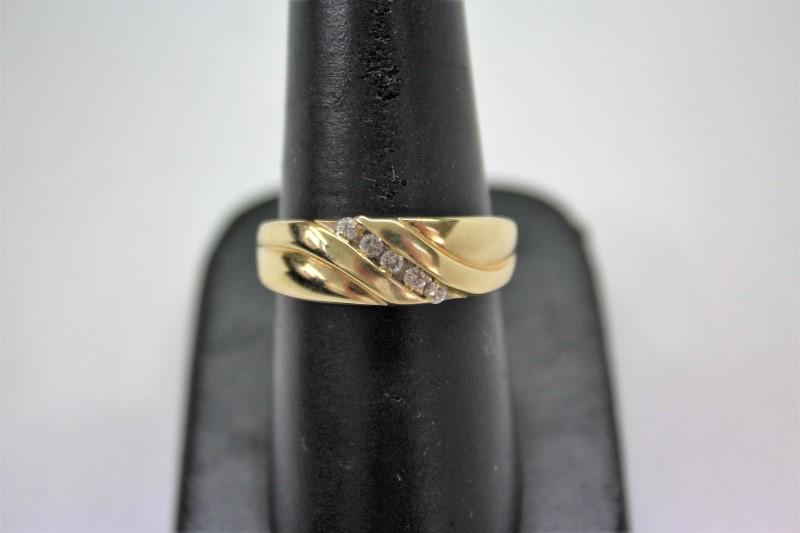 Gent's Gold-Diamond Wedding Band 5 Diamonds .10 Carat T.W. 14K Yellow Gold 6.2g