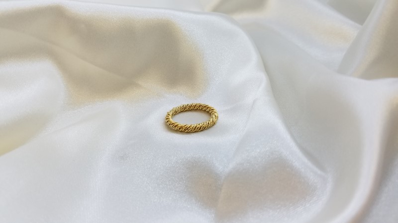 Lady's Gold Ring 14K Yellow Gold 4g Size:6