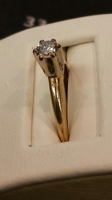 Lady's Diamond Engagement Ring .27 CT. 14K Yellow Gold 5.5dwt Size:5.8