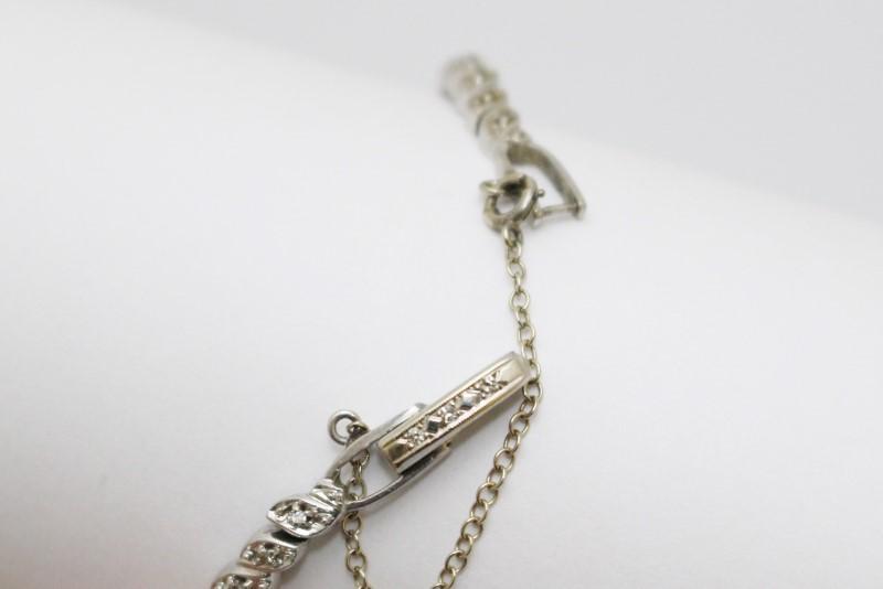 Vintage Solid 14K White Gold & Diamond Women's Wind Up Bracelet Watch