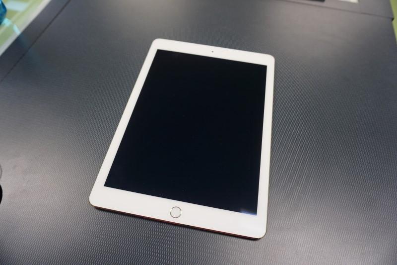 APPLE Tablet IPAD AIR 2 MH232LL/A