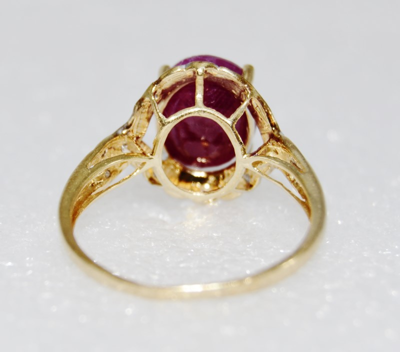14K Two Tone Gold Large Oval Natural Opaque Ruby & Diamond Twist Ring sz 9