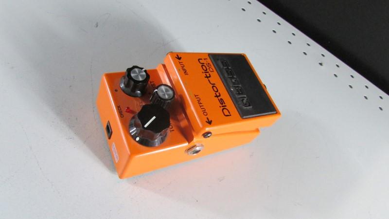 BOSS DISTORTION PEDAL DS-1
