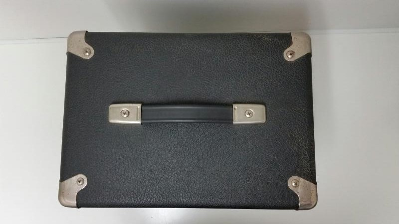 FENDER GUITAR/BASS COMBO AMPLIFIER AMP FRONTMAN 15B