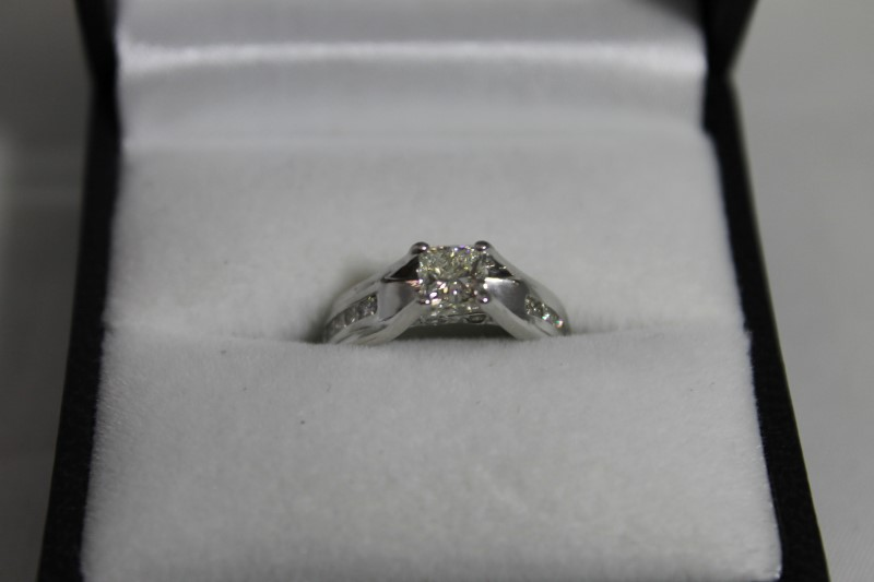 Lady's Diamond Engagement Ring 15 Diamonds .70 Carat T.W. 14K White Gold 3.22g