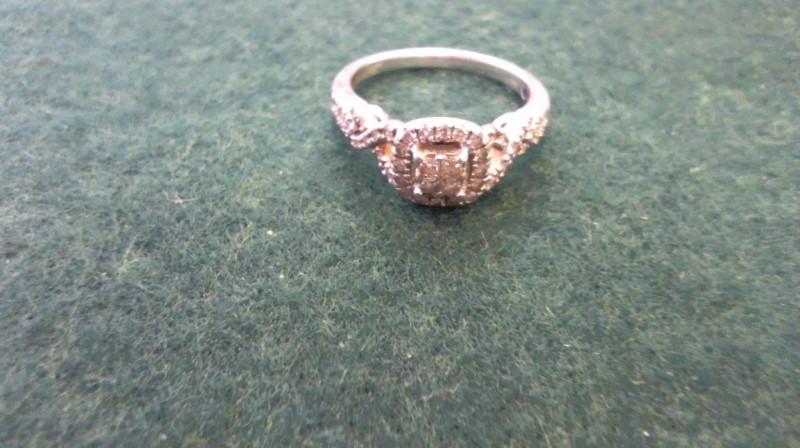 Lady's Silver-Diamond Ring 28 Diamonds .32 Carat T.W. 925 Silver 3.4g
