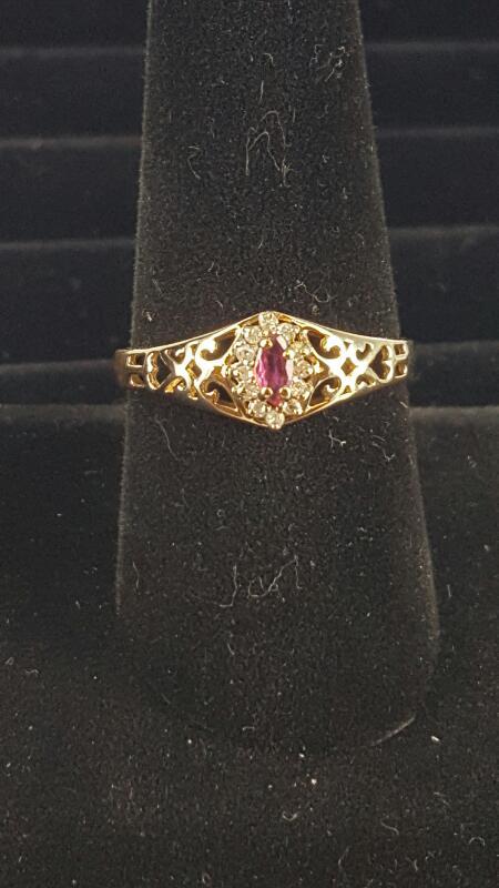 Red Stone Lady's Stone & Diamond Ring 12 Diamonds .12 Carat T.W.