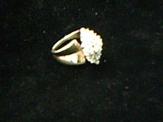 Lady's Diamond Cluster Ring 32 Diamonds .96 Carat T.W. 14K Yellow Gold 6.02g