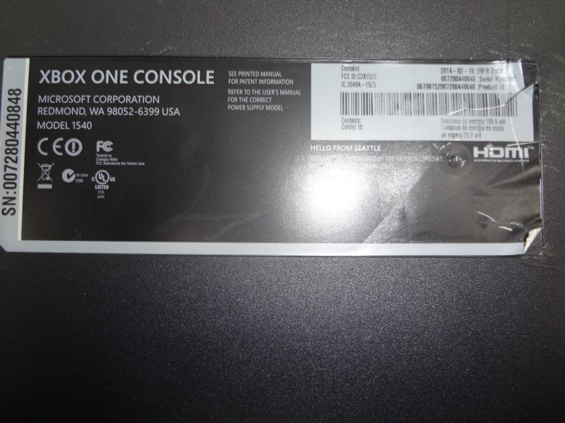 MICROSOFT 1540 XBOX ONE 500GB WITH HOOKUPS AND OFFBRAND CONTROLLER*JOYSTICK BAD*