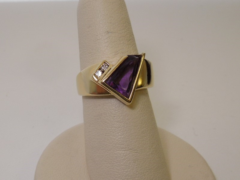 Purple Stone Lady's Stone & Diamond Ring 2 Diamonds .06 Carat T.W.