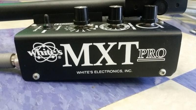 Whites MXT Pro Metal Detector w/ CASE
