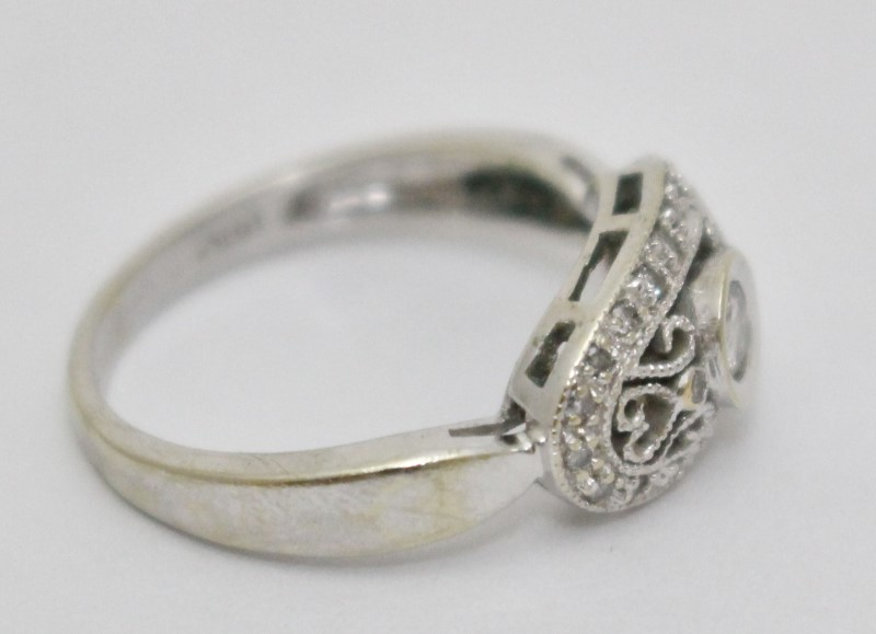 14K White Gold Vintage Style Full Bezel & Pave Set Diamond Heart Filigree Ring