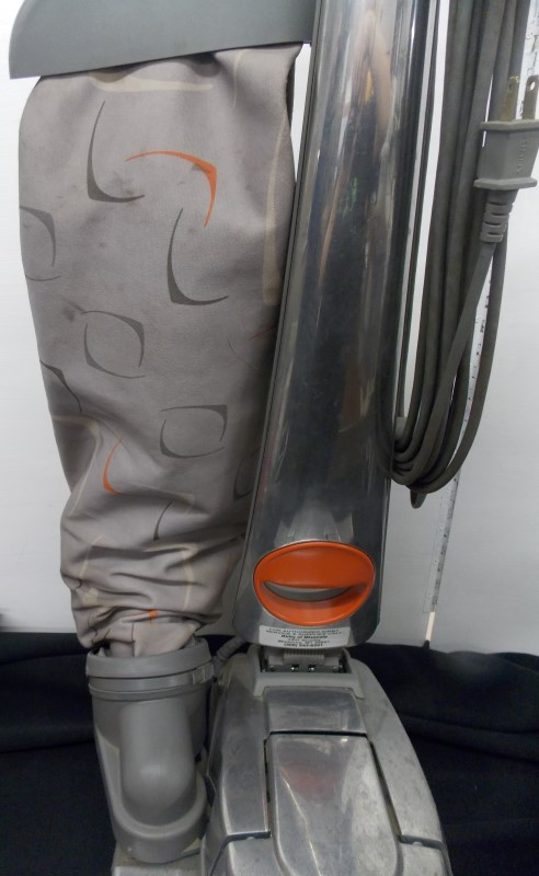 KIRBY SENTRIA G10D VACUUM CLEANER, SHAMPOOER & MANY ATTACHMENTS