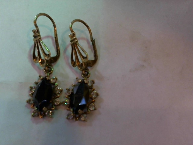 Black Stone Gold-Stone Earrings 10K Yellow Gold 4.4g