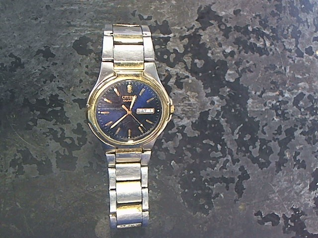 CITIZEN Gent's Wristwatch 2500-S99329