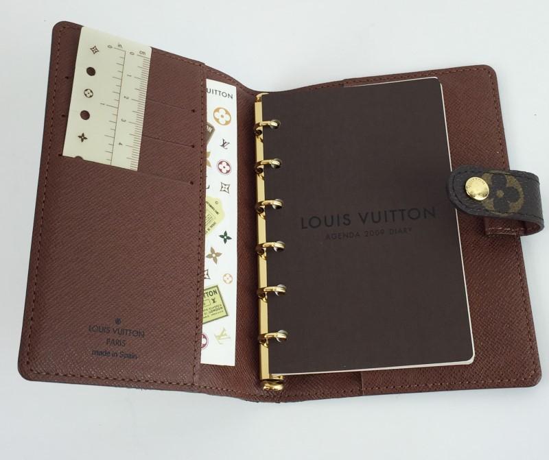 LOUIS VUITTON SMALL RING AGENDA COVER