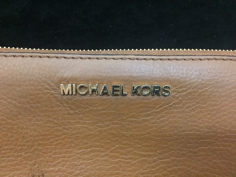 Michael Kors Large Jet Set Brown Leather Functional Wallet Without Wrist Strap