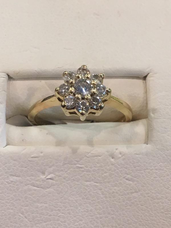 Lady's Diamond Cluster Ring 8 Diamonds .56 Carat T.W. 14K Yellow Gold 1.6dwt
