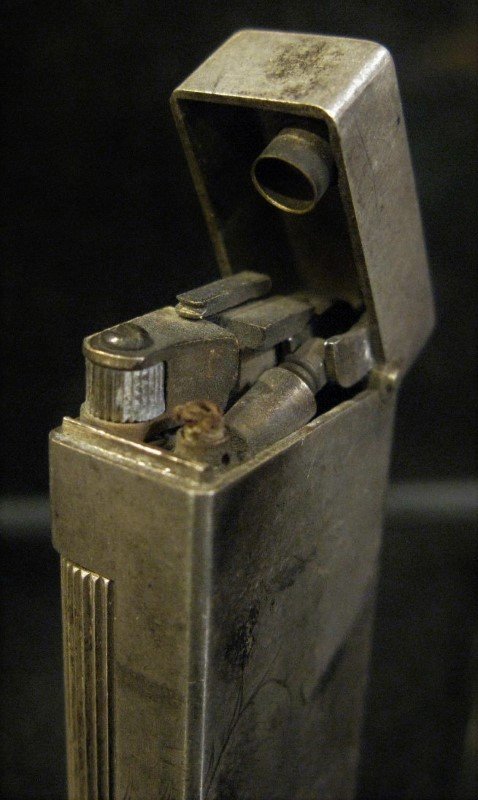1940's DUNHILL SHANGHAI 900 Silver Hand Etched Dragon Lighter - Rollalite