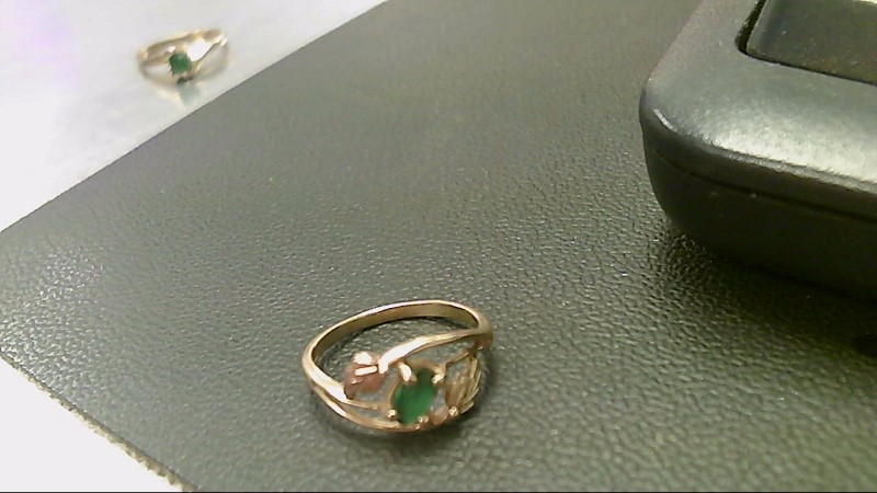 Green Stone Lady's Stone Ring 10K Yellow Gold 2g