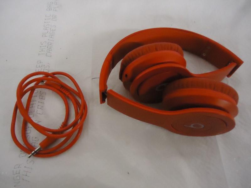 BEATS AUDIO Headphones SOLO HD