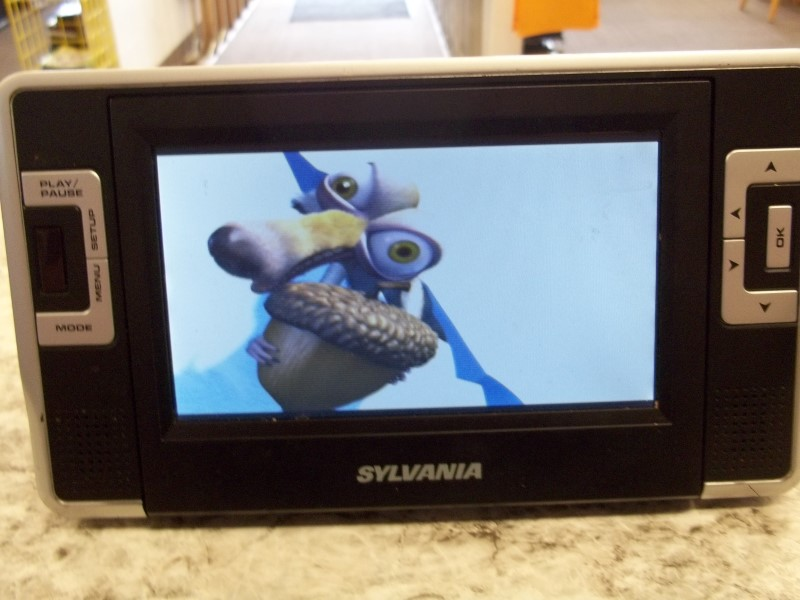 SYLVANIA DVD PLAYER SDVD8732