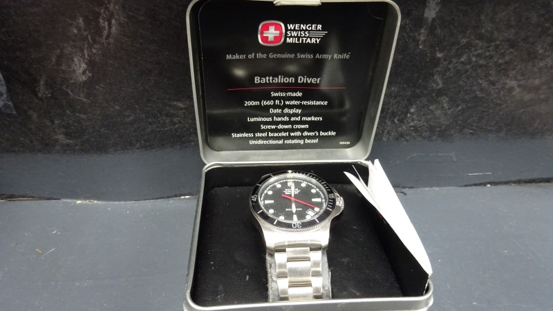 SWISS ARMY Lady's Wristwatch WENGER 7918X/T