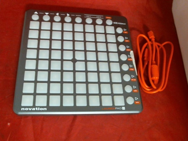 NOVATION Effect Equipment LAUNCHPAD S