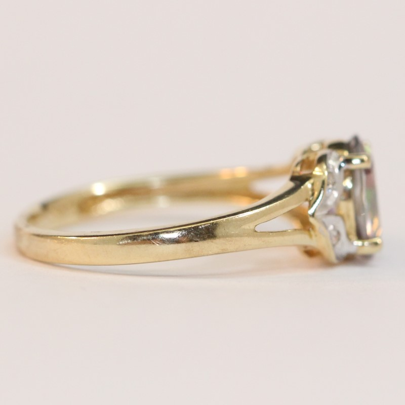 10K Yellow Gold Blue Topaz and Diamond Ring Size 7
