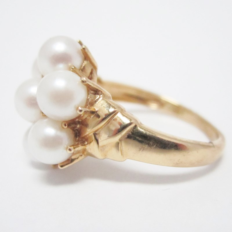 Lady's Pearl Stone Ring, 14K Yellow Gold , Size 8