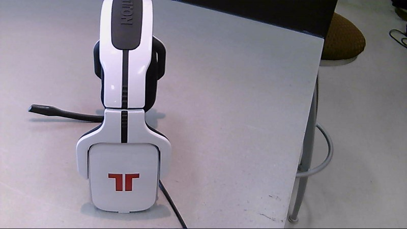 Tritton 720 White Headphones