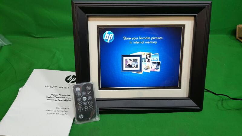 "HP 8.4"" DIGITAL PICTURE FRAME WITH REMOTE CONTROL DF840"