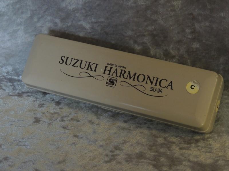 SUZUKI SU-24 TWO TIMER 24 HOLE DUAL NOTE TREMOLO HARMONICA